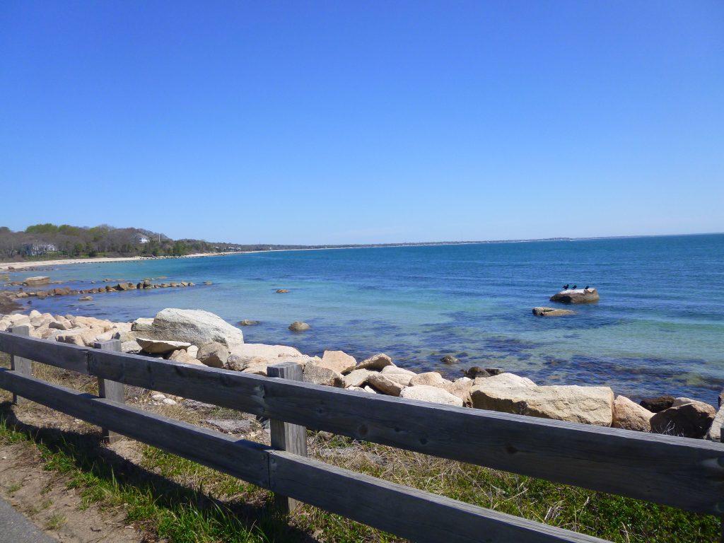 Rocky coast with birds along the Shining Sea Bikeway